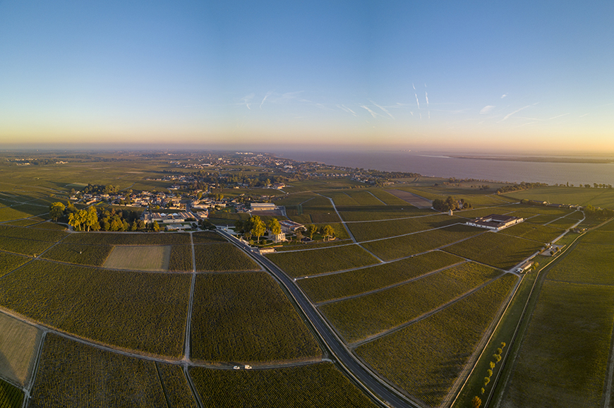 Helicopter Ride over Medoc <br/><br/>How to book: Please note at the Helicopter ride is on a request basis and must be pre-booked 45 days prior to departure
