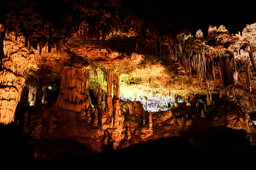 Spain - Explore the fascinating Hams Caves