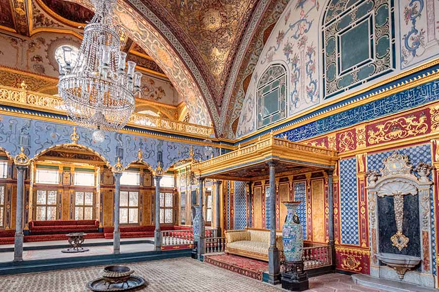 Turkey - Istanbul - Visit Topkapi Palace, residence of the Ottoman Sultans, and Lunch