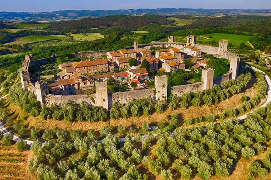 Italy - San Gimignano, Monteriggioni and Abbadia a Isola including dinner