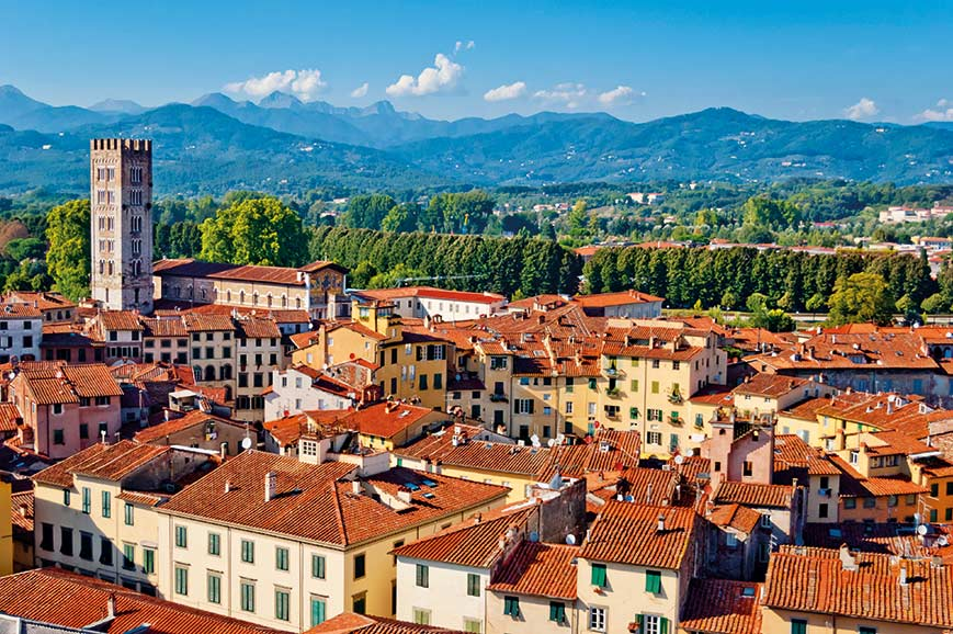 Italy - The charming town of Lucca