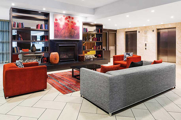 adina-apartment-hotel-melbourne-1.jpg