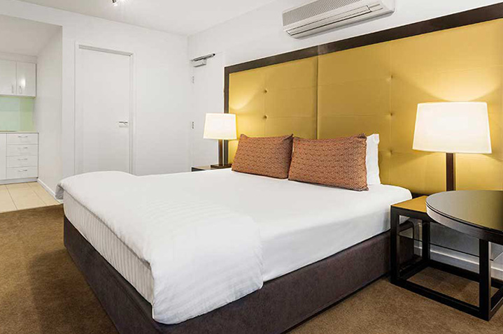 adina-apartment-hotel-melbourne-3.jpg