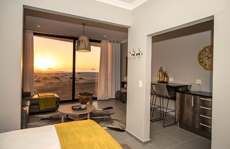 bay-view-hotel-1.jpg
