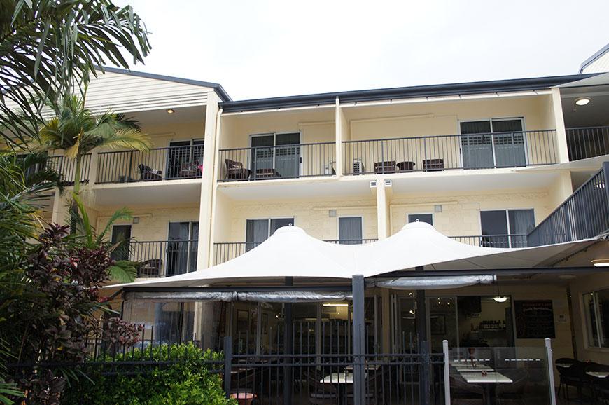 cairns-queenslander-hotel-apartments-3.jpg