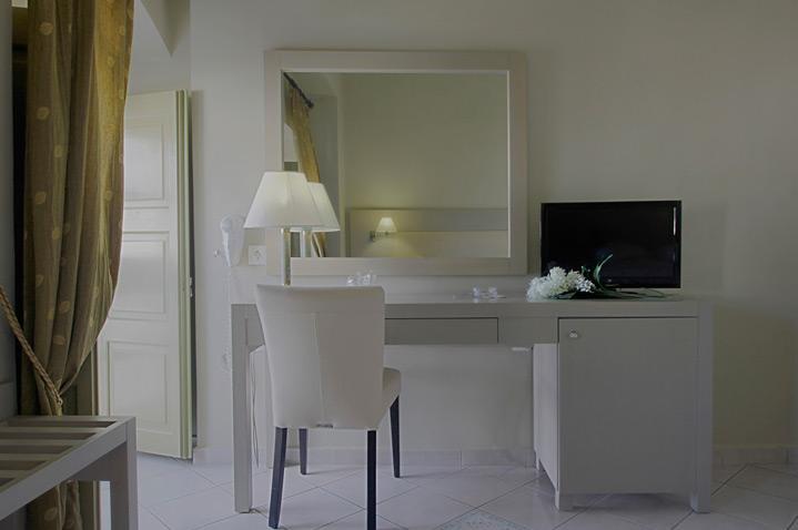 diogenis-hotel-athens-4.jpg