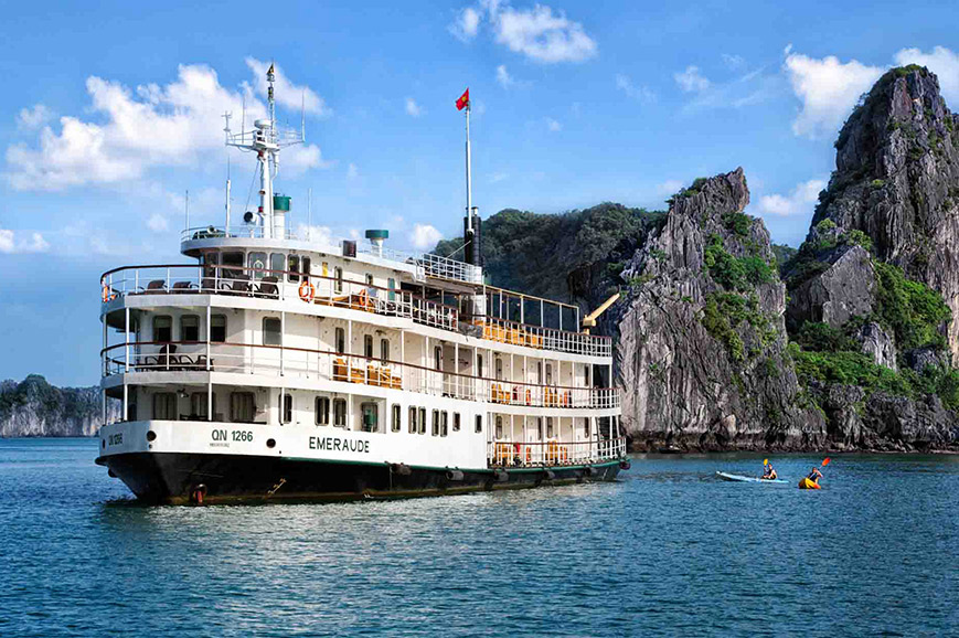 emeraude-halong-bay-2.jpg