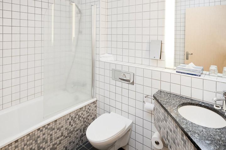 grandhotelbathroom1.jpg