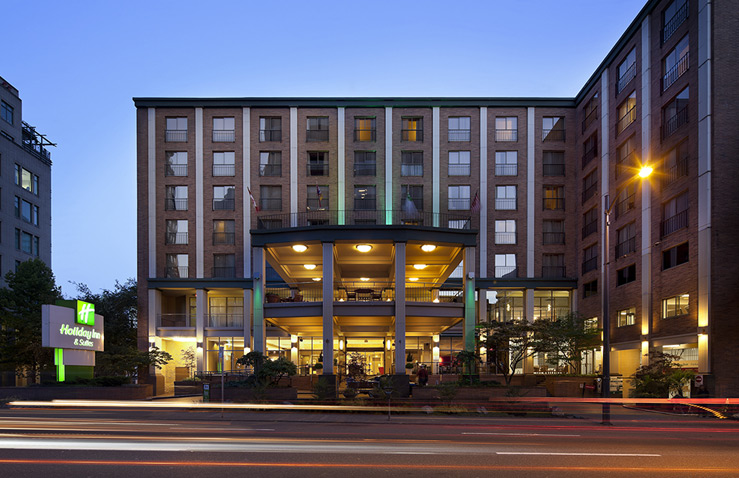 holiday-inn-suites-vancouver-downtown-1.jpg