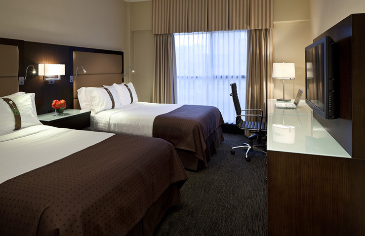 holiday-inn-suites-vancouver-downtown-2.jpg
