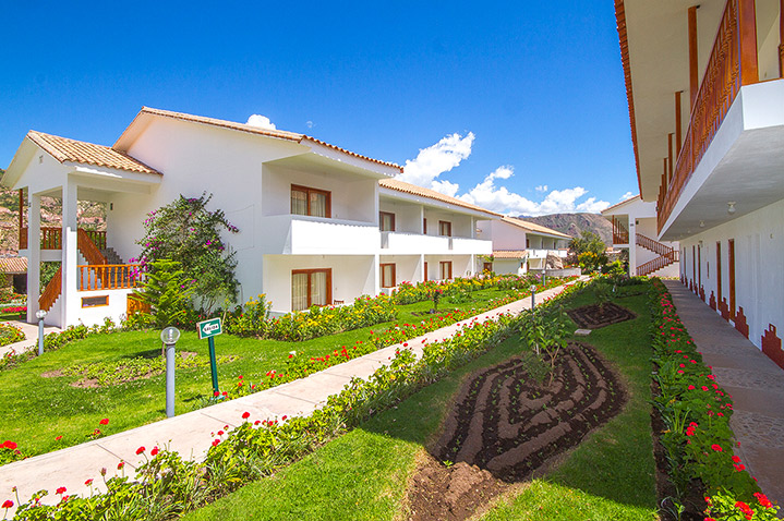 hotel-agustos-urubamba-1.jpg