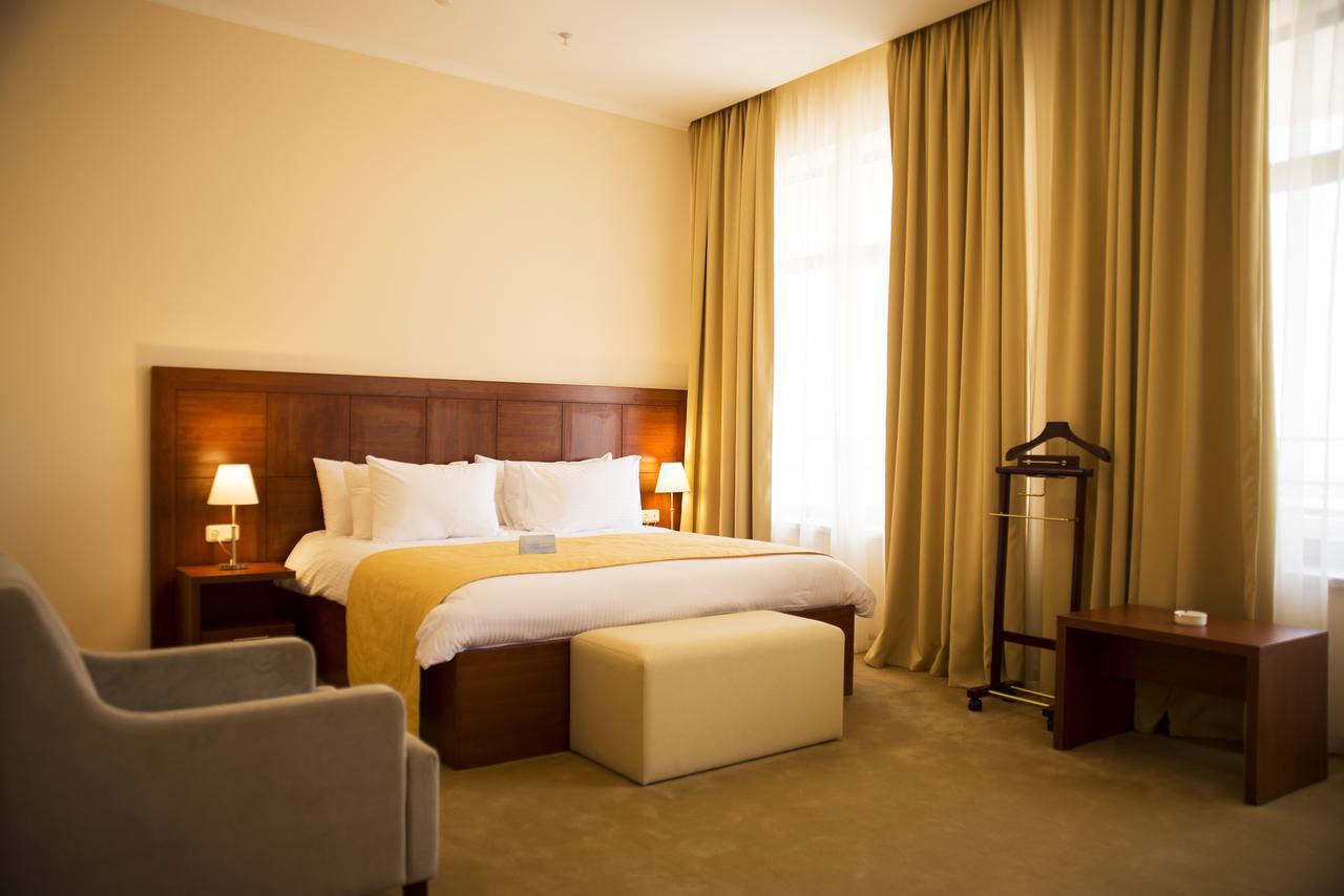 hotel-ani-plaza-1.jpg
