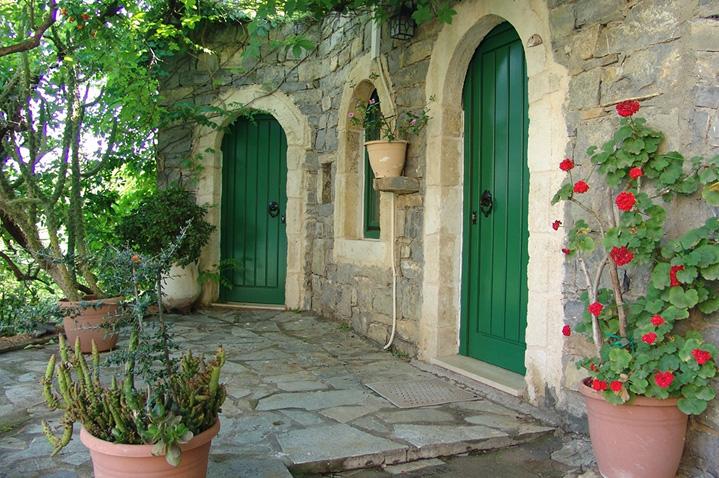 hotel-arolithos-crete-4.jpg