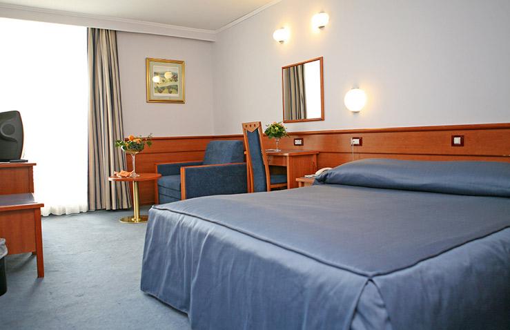 hotel-kolovare-2.jpg