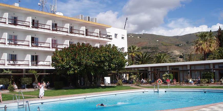 hotel-salobrena-1.jpg