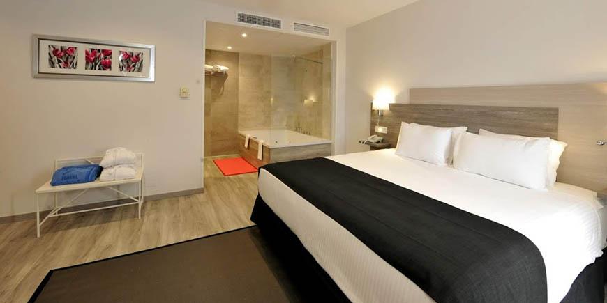 hotel-salobrena-2.jpg