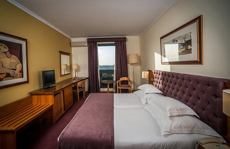hotel-vila-gale-porto-1.jpg