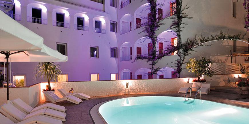 hotel-villa-romania-minori-2.jpg