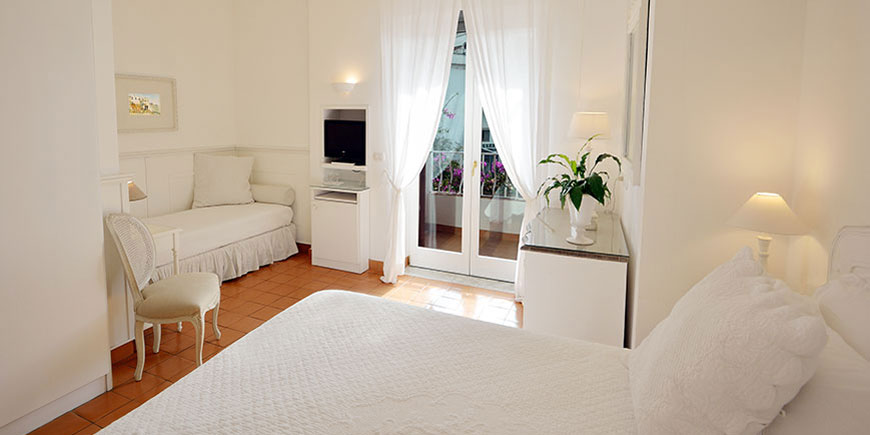 hotel-villa-romania-minori-3.jpg