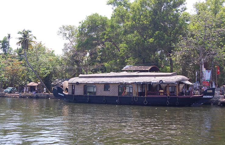 kerala-houseboat-3.jpg