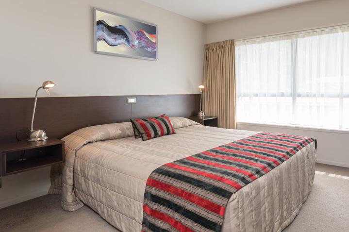 kingsgate-hotel-pahia-2.jpg