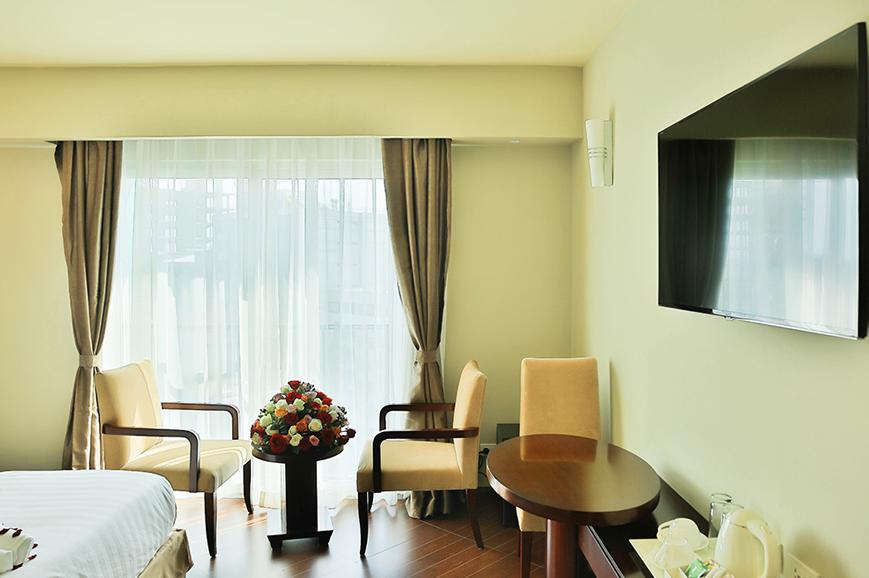 magnolia-hotel-2.jpg