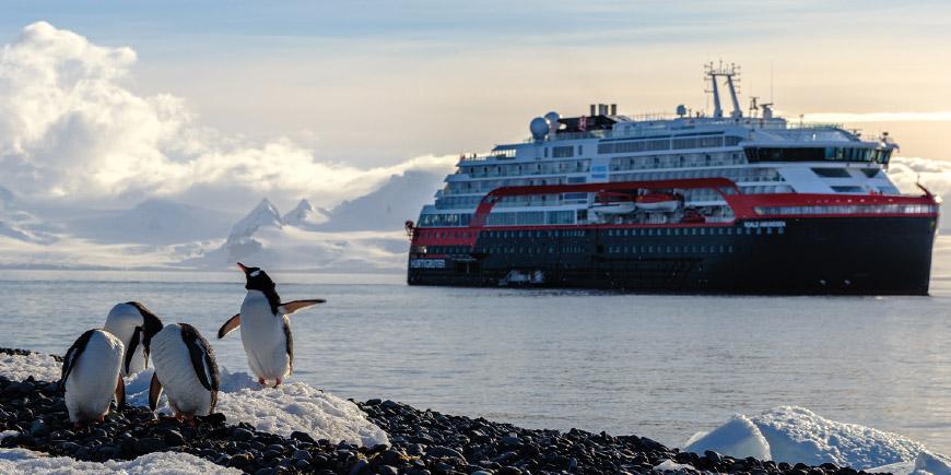 ms-roald-amundsen-1.jpg