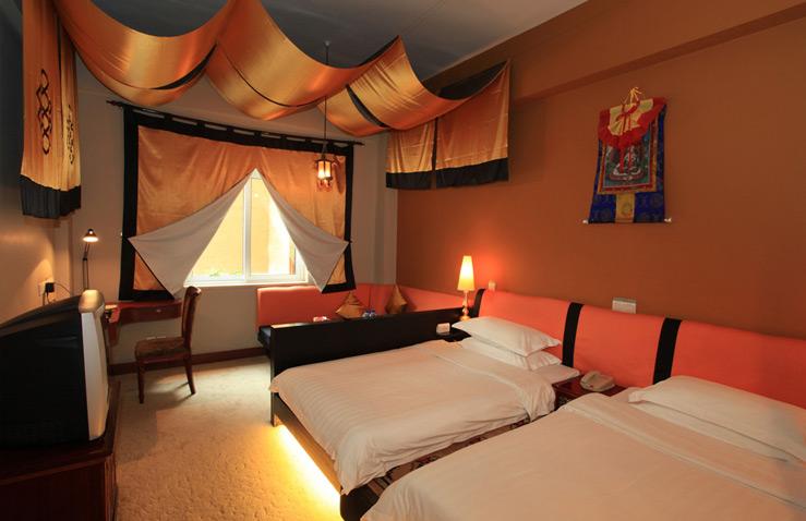 paradise-hotel-1.jpg