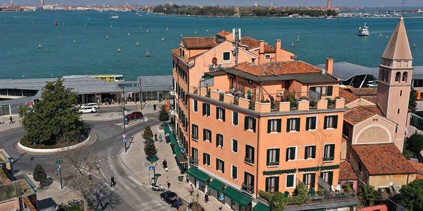 riviera-hotel-venice-1.jpg