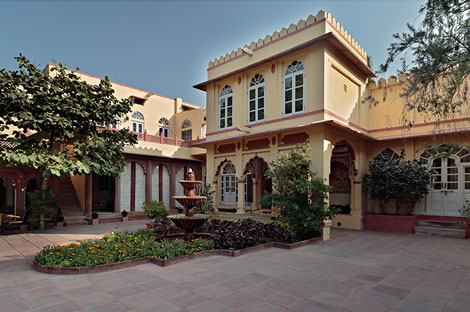 rohetgarhhotel1.jpg