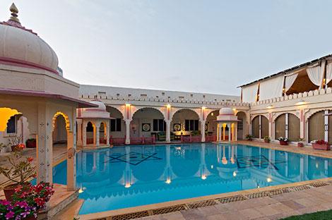 rohetgarhhotel2.jpg