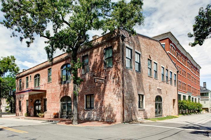 staybridge-suits-savannah-historic-district-1.jpg