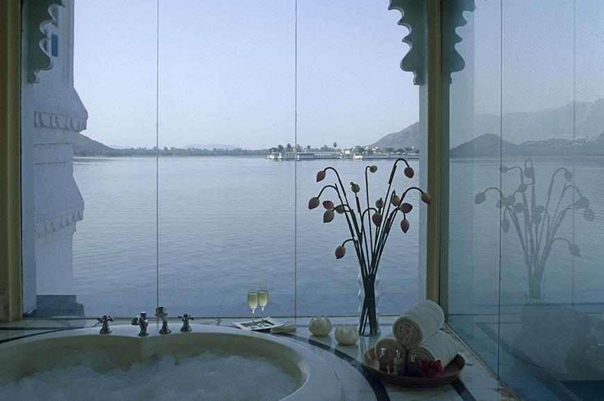 taj-lake-udaipur-new-9.jpg