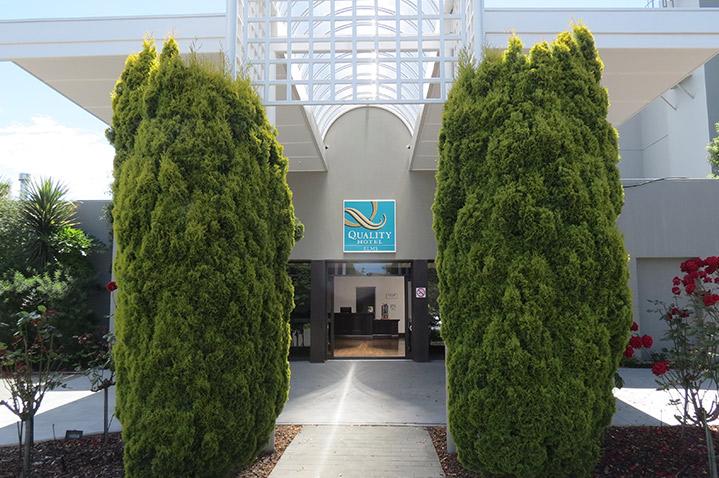 theelmshotel1.jpg