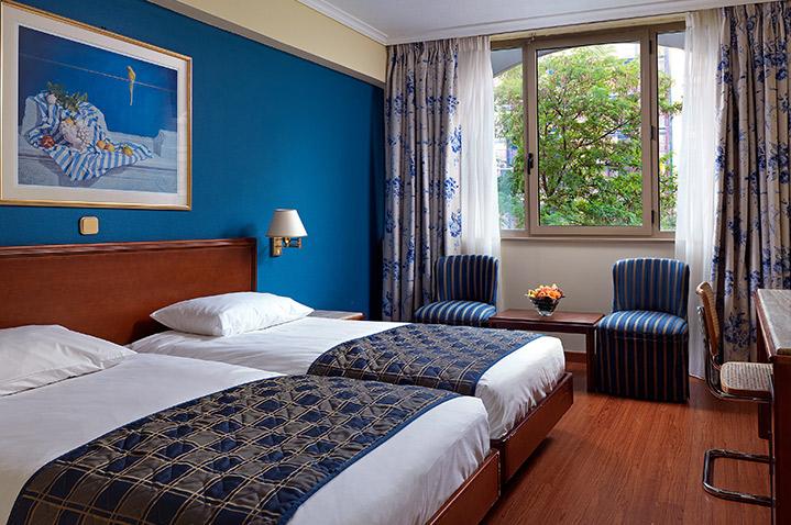titania-hotel-athens-2.jpg