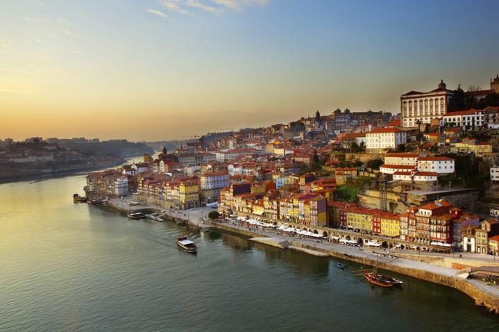 Oporto at night
