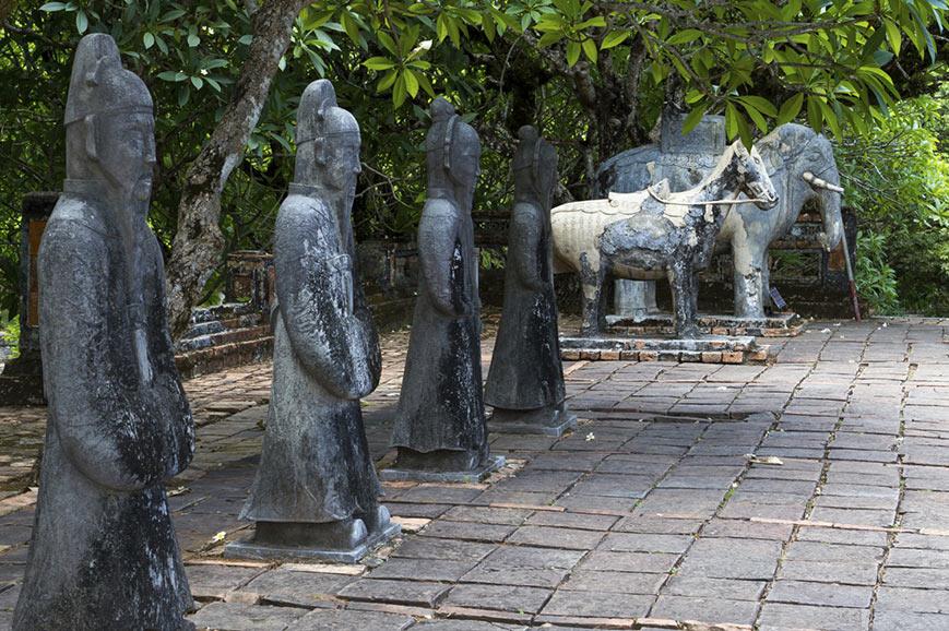 Statues, Tu Duc Tomb