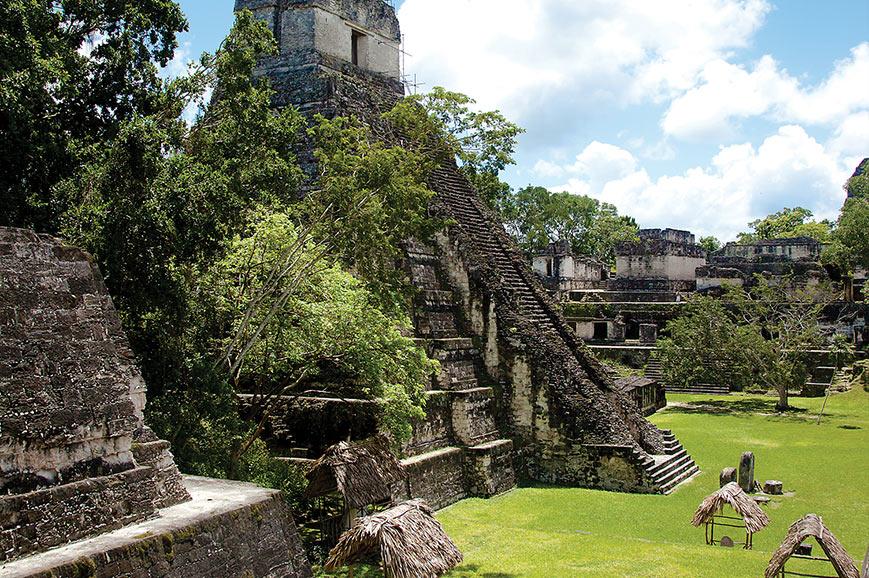 Pyramid temples at Tikal