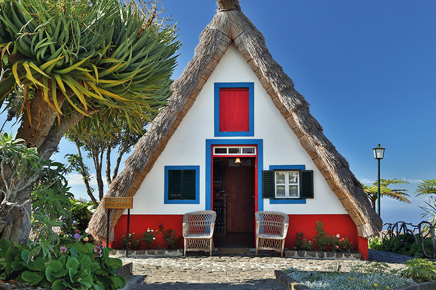 Traditional cottage, Santana